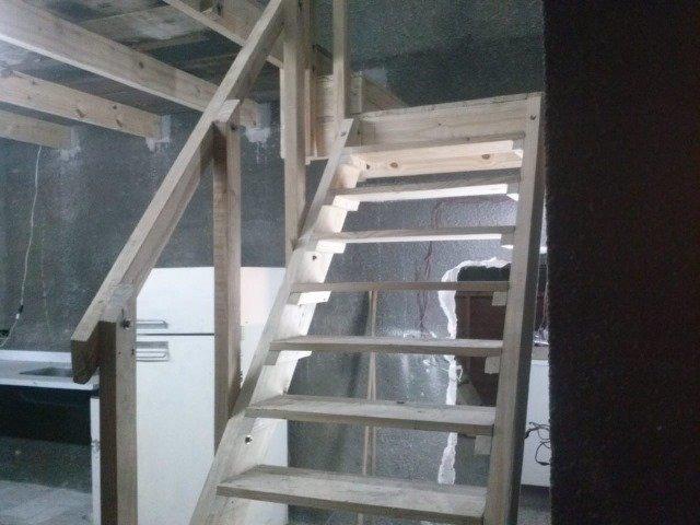 dos locales en planta baja y local en primer piso con entradas individuales permuta en necochea