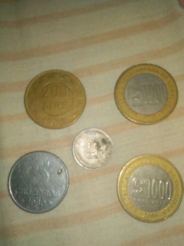 dos monedas de 1000bs, un medio de plata 1954