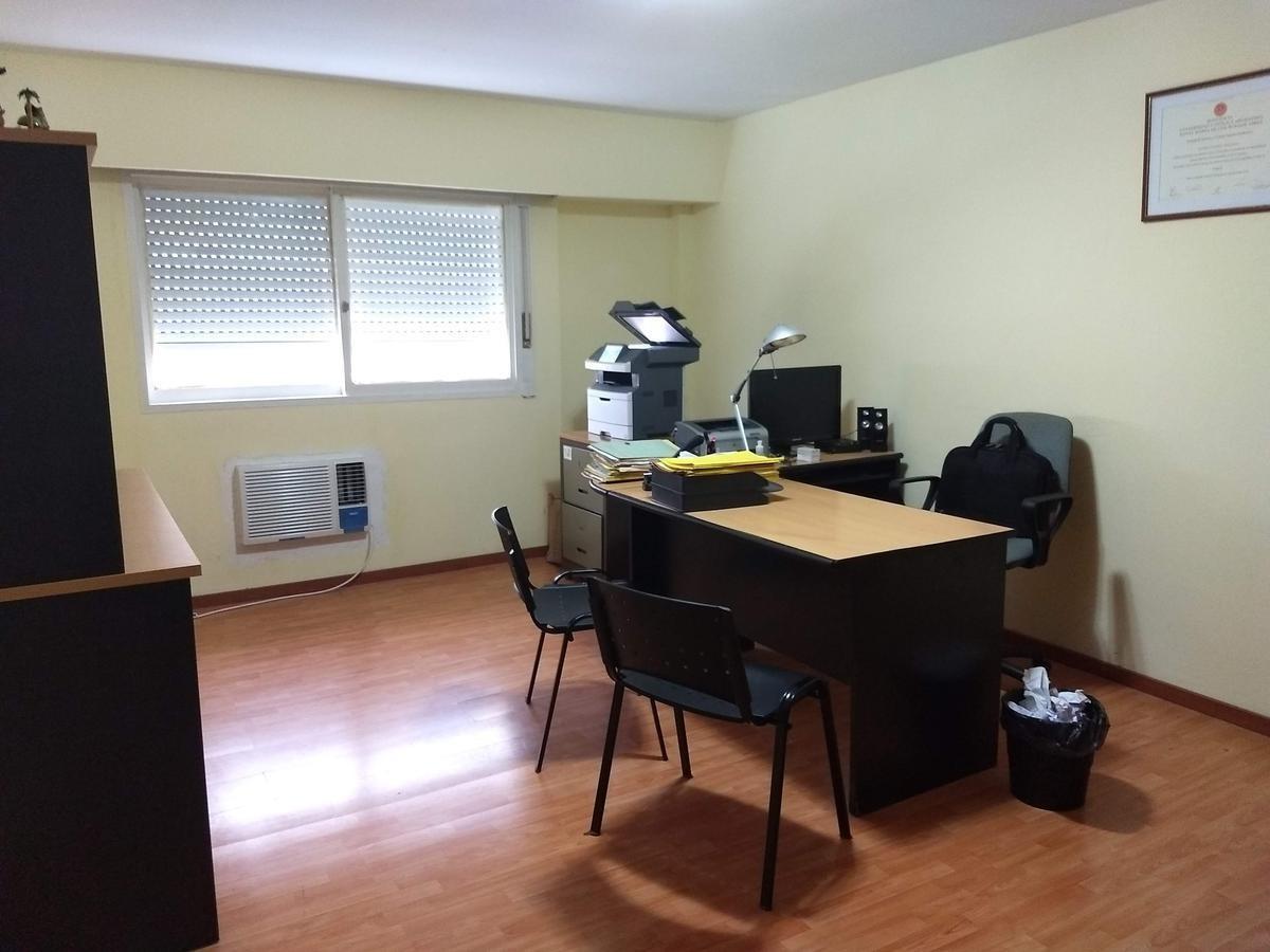 dos oficinas en bloque 48 m2 reciclada!