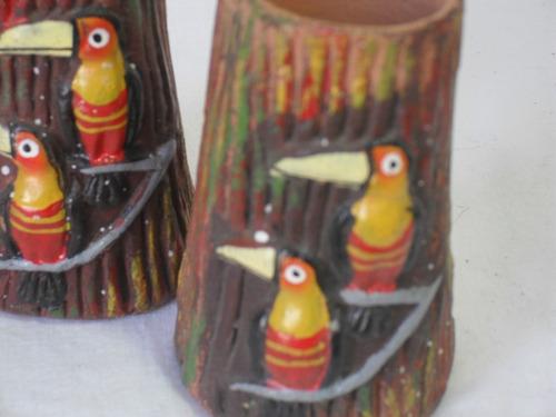 dos porta velas de cerámica roja