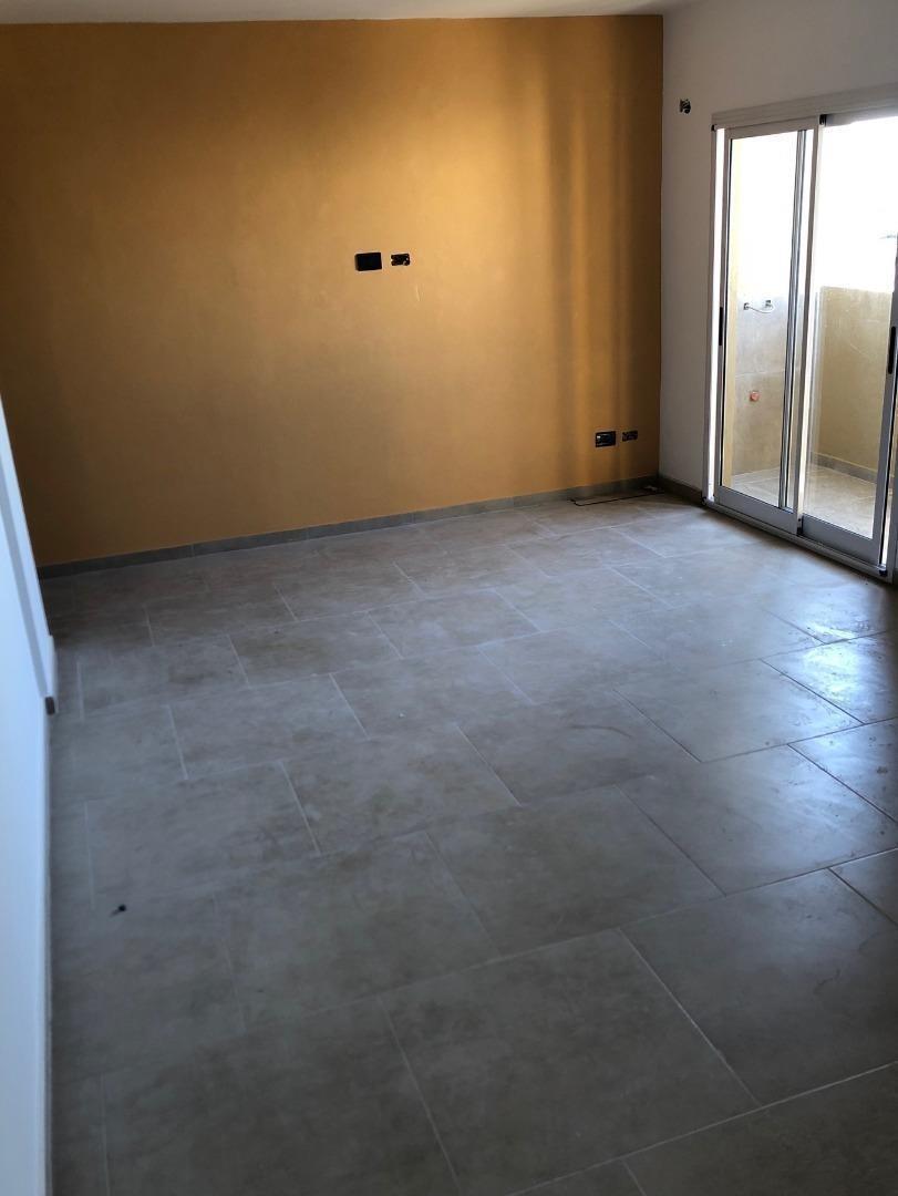 dpto 2 amb-1° 2° 3° piso fte y cfte-c/ balcón-ultimas unids.
