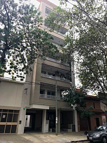 dpto 2 dorm - 1º piso frente - balcon - 70 mts .-