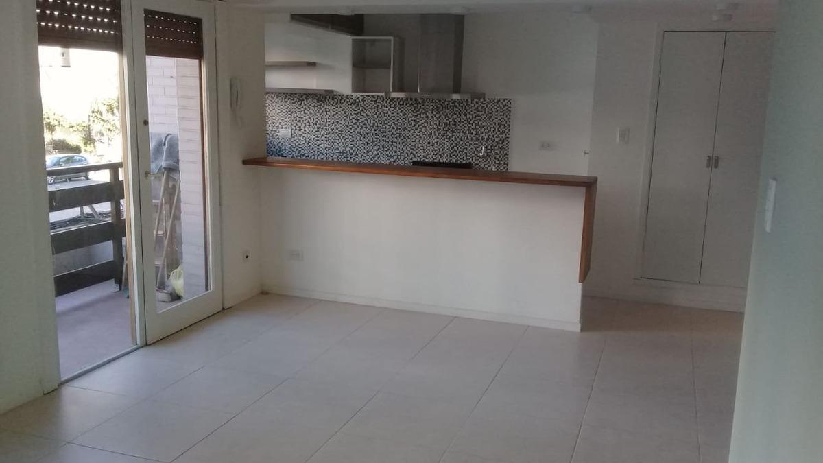 dpto. 3 ambientes externo con balcón