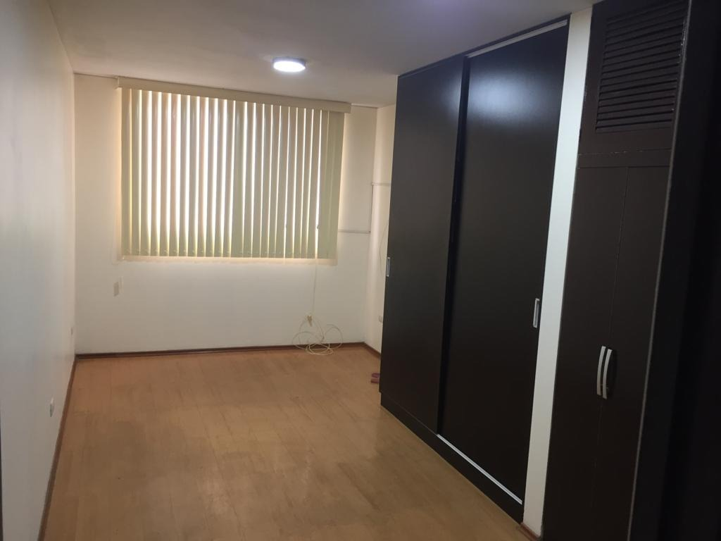 dpto 4to piso, 2 dormitorios , 2 baños, más aires ó terraza