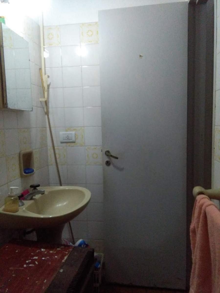 dpto de pasillo. venta. ideal inversores. buenos aires 2500. un dormitorio con patio