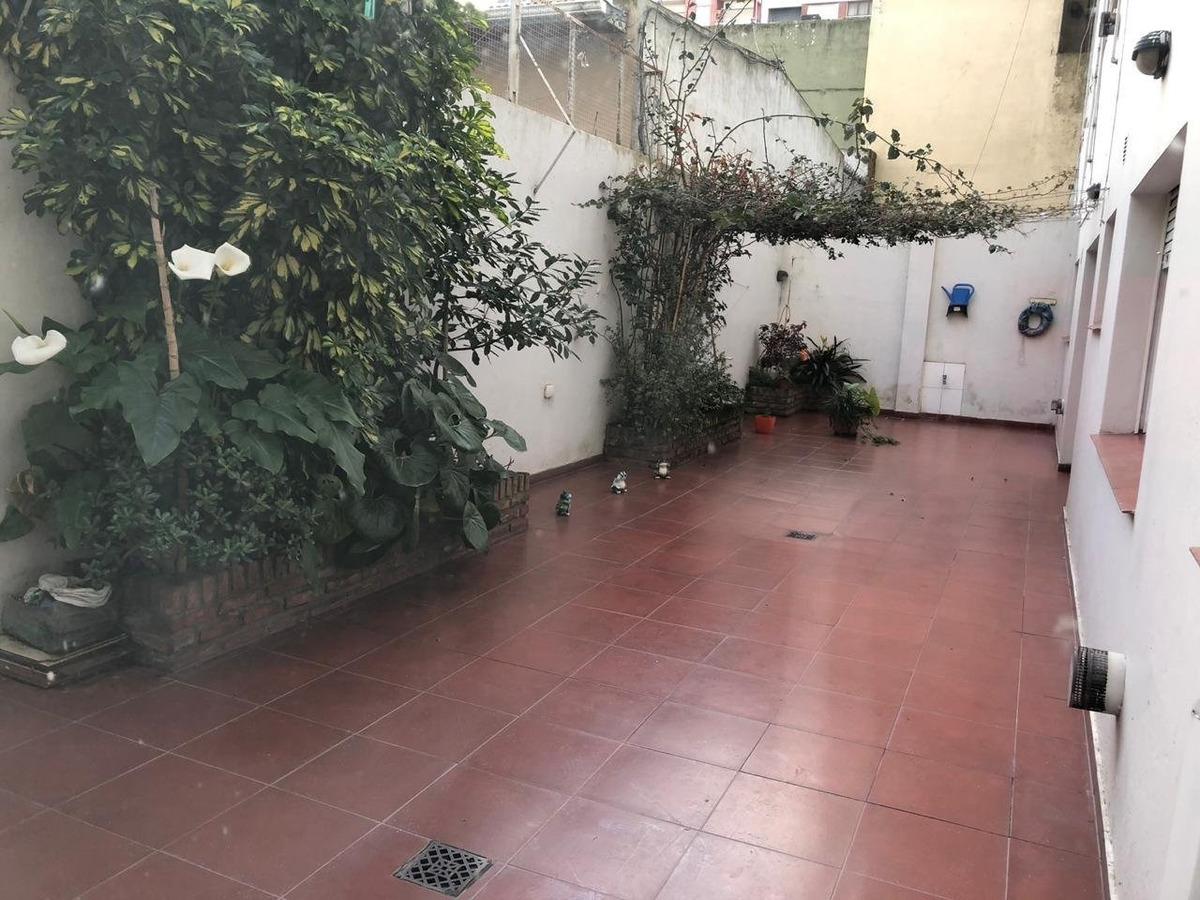dpto pb 2 amb con patio // n°ficha 22981