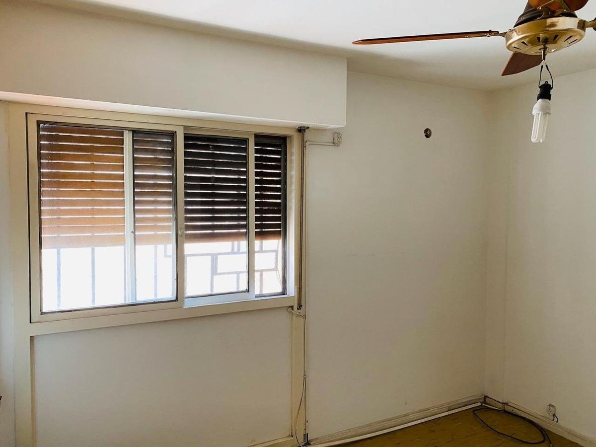 dpto un dormitorio 1° piso con balcon cerrado - permuta por vehiculos