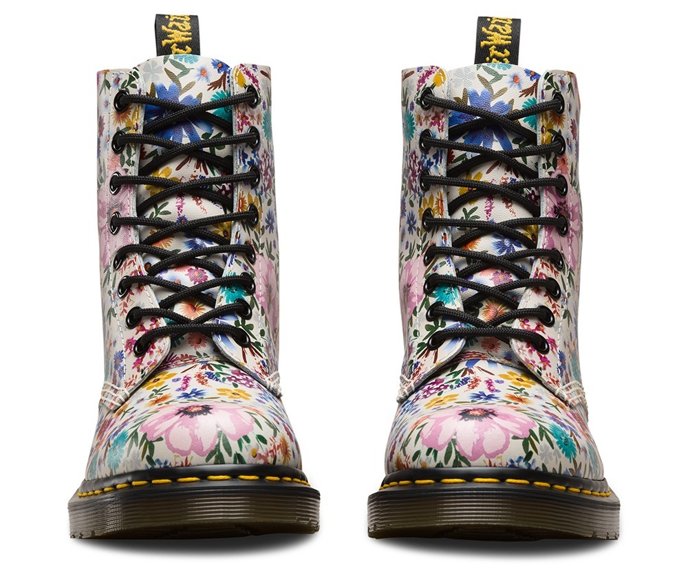 f53609bf6fc2a dr. martens 1460 pascal wanderlust leather boot. Cargando zoom.