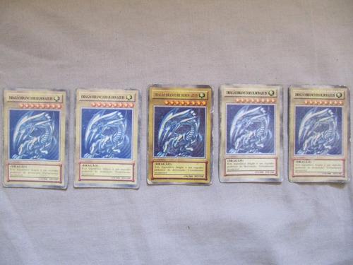 dragao branco de olhos azuis modelo antigo 7x4,5cm (1 carta)