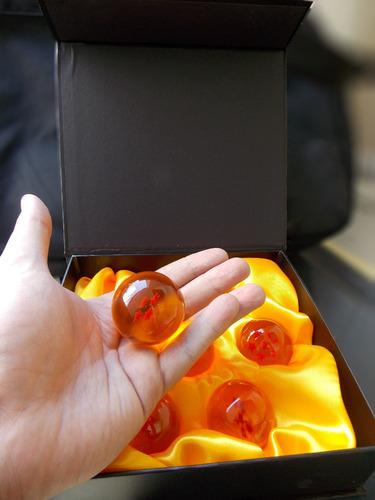 dragon ball z caja con 7 esferas del dragon 4 cms