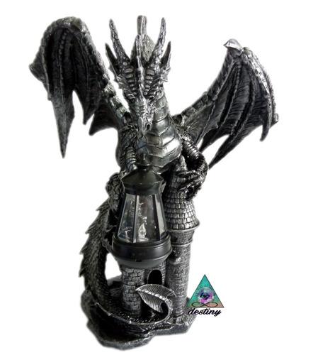 dragon protector del castillo - dragon medieval
