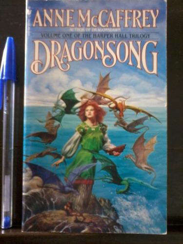 dragonsong  - anne mccaffrey - en inglés - 1977