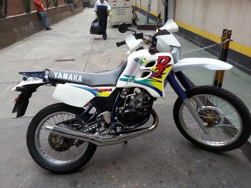 dt 200r muito nova e conservada a famosa brasileirinha