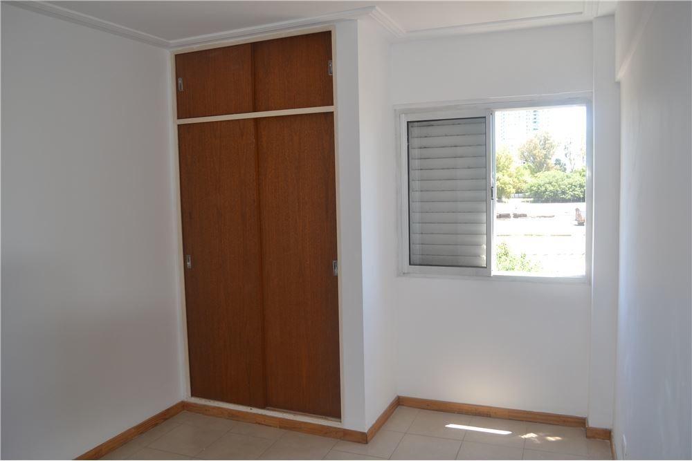 dto.un dormitorio contrafrente con balcon al norte