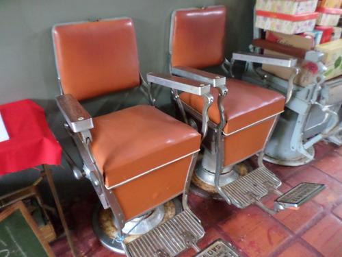 duas cadeiras de barbeiro ferrante antigas-