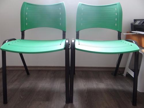 duas cadeiras verde  - ideal para escritório 100,00 as duas