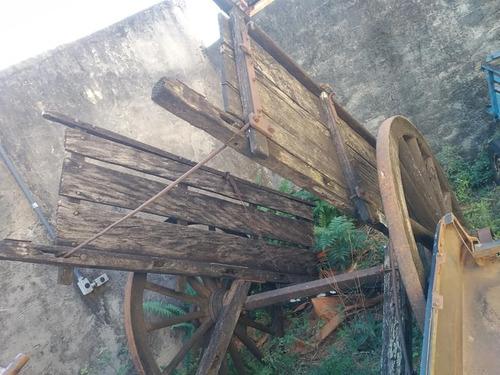 duas carroças anos 50 roda de madeira