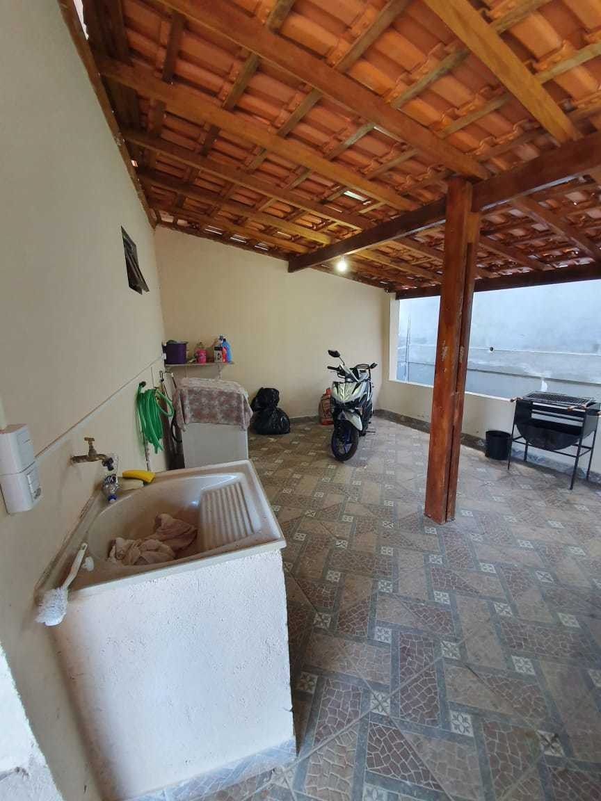 duas casa com suítes e dois dormitórios com suite lavanderia