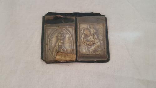 duas medalhas antigas uma nossa senhora rosario de fatima