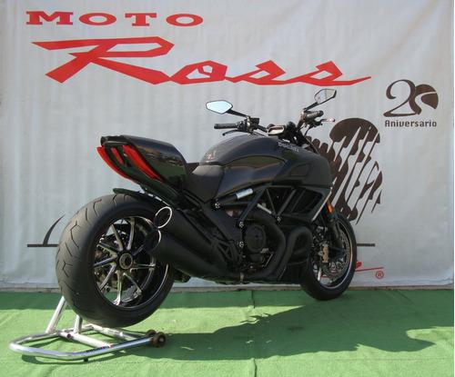 ducati diavel 1200 carbon edición especial .