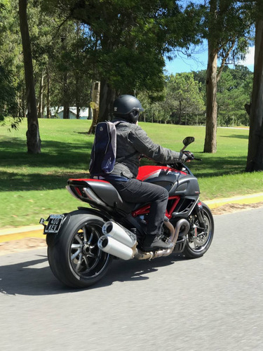 ducati diavel carbon igual a nueva! 8.000 km impecable