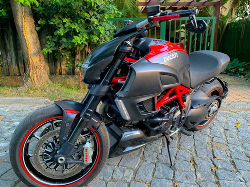 ducati diavel carbon naked