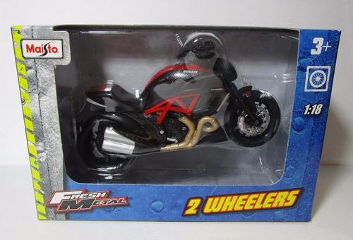ducati diavel escala 1/18 coleccion metalica moto 12cm