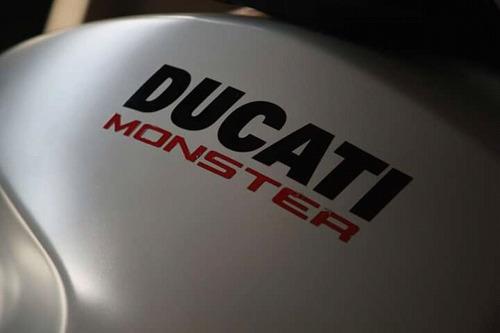 ducati monster 797 2017 blanca