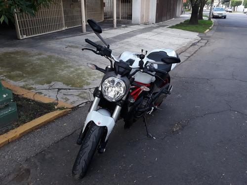 ducati monster 821 2015