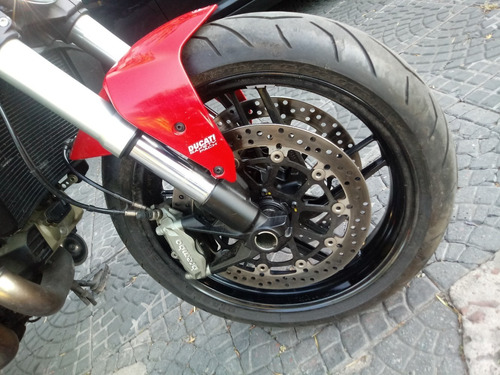ducati monster 821 2016 roja