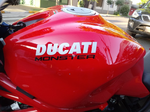 ducati monster 821 2016 roja