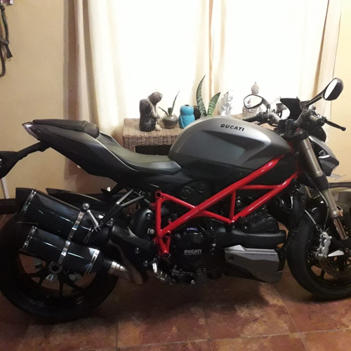 ducati strestfigther