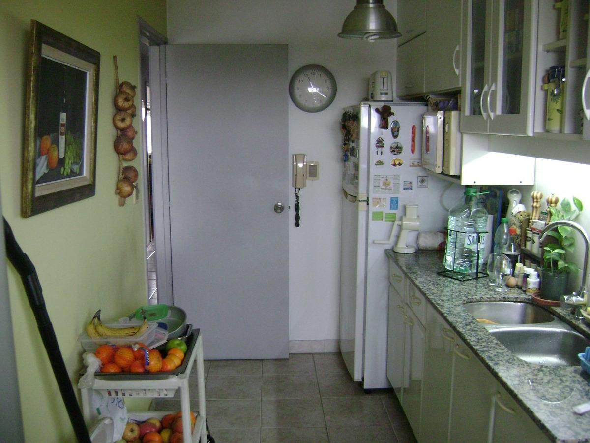 dueña vende excelente apartamento muy céntrico