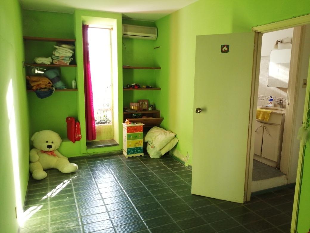 dueño a particular, pu 7.40x 20m, 3 dormitorios y 3 baños.