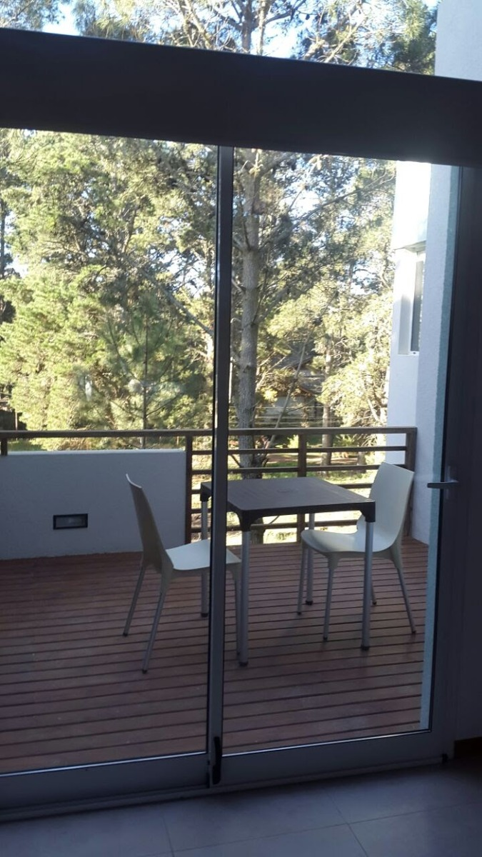 dueño alquila casa vidriada  bosque cerca de centro y playa