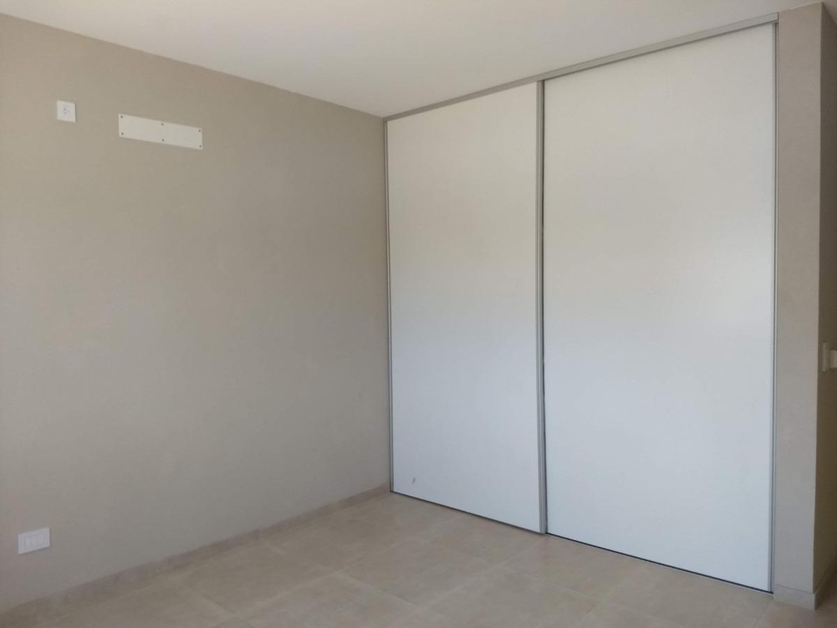 dueño directo vende casa a estrenar en barrio el cantón