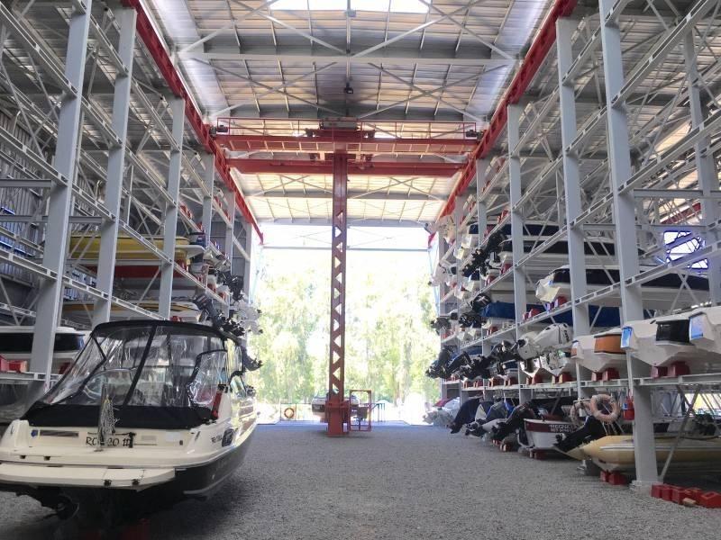 dueño directo vendo cama náuticas 18 pies delta marina