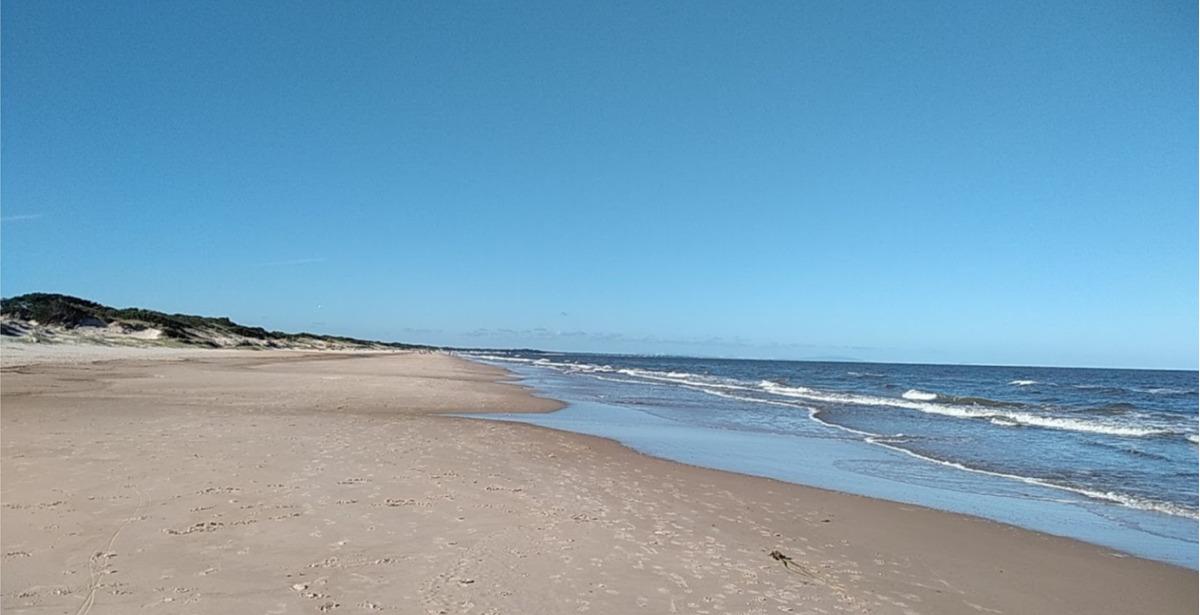 dueño: rambla en esquina, frente al mar, bajada playa.