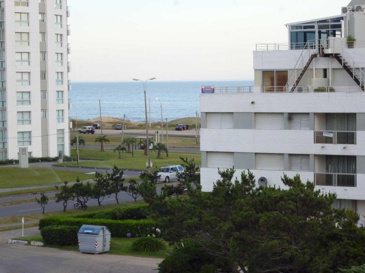 dueño vende apto. 8 de la brava- excelente vista al mar