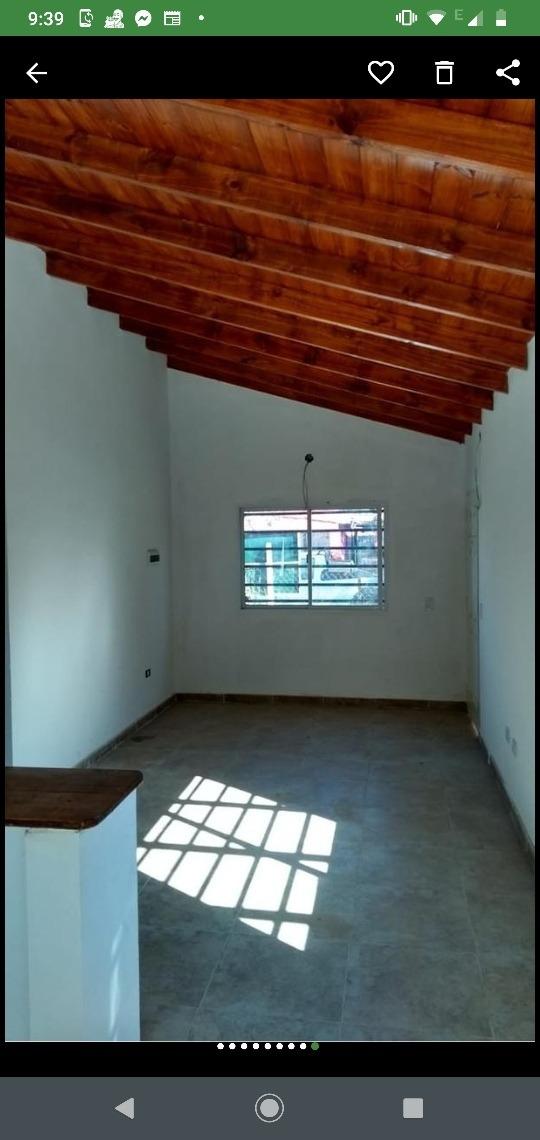 dueño vende casa a estrenar de tres ambientes