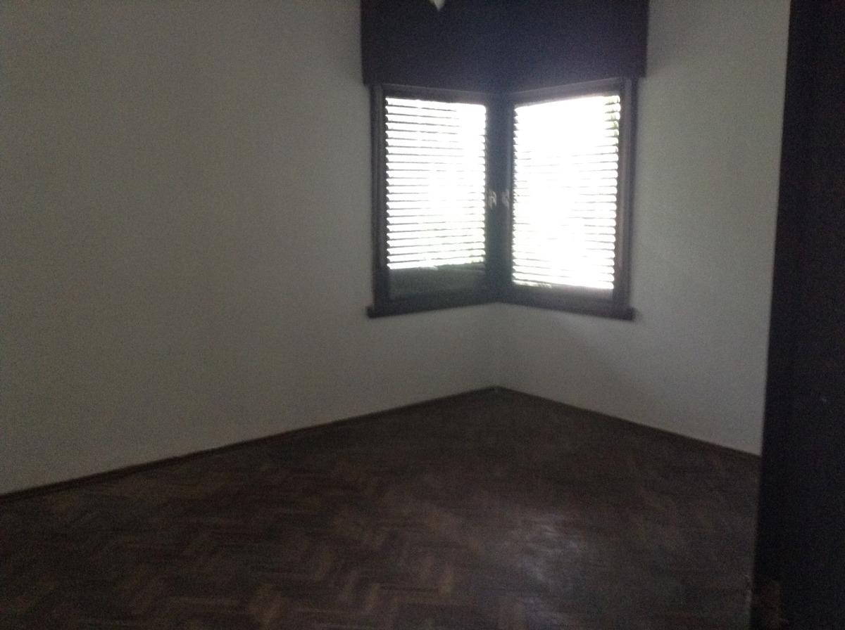 dueño vende casa con diseño arquitectónico en paso molino