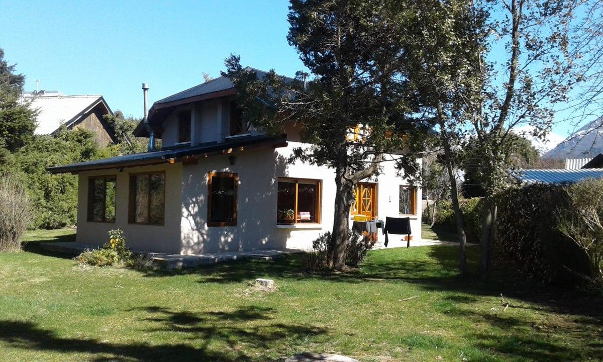 dueño vende  casa en bariloche 195 mtrs cub. lote 1050 m