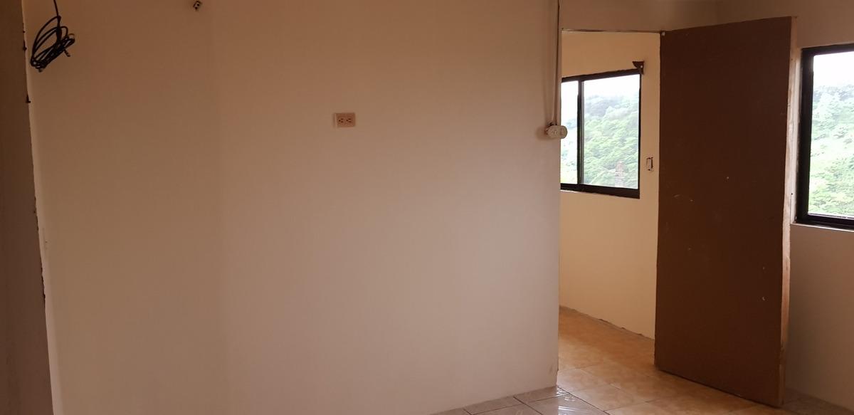 dueño vende casa recién re modelada en un lugar tranquilo y