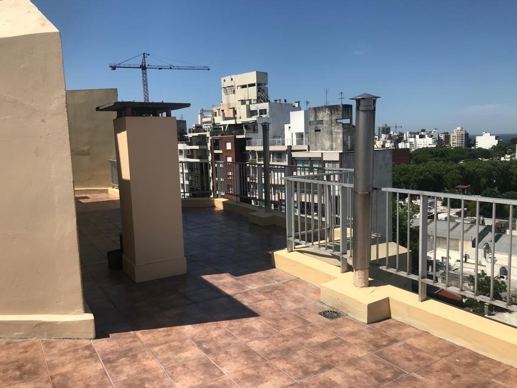 dueño vende increíble penthouse en punta carretas, único