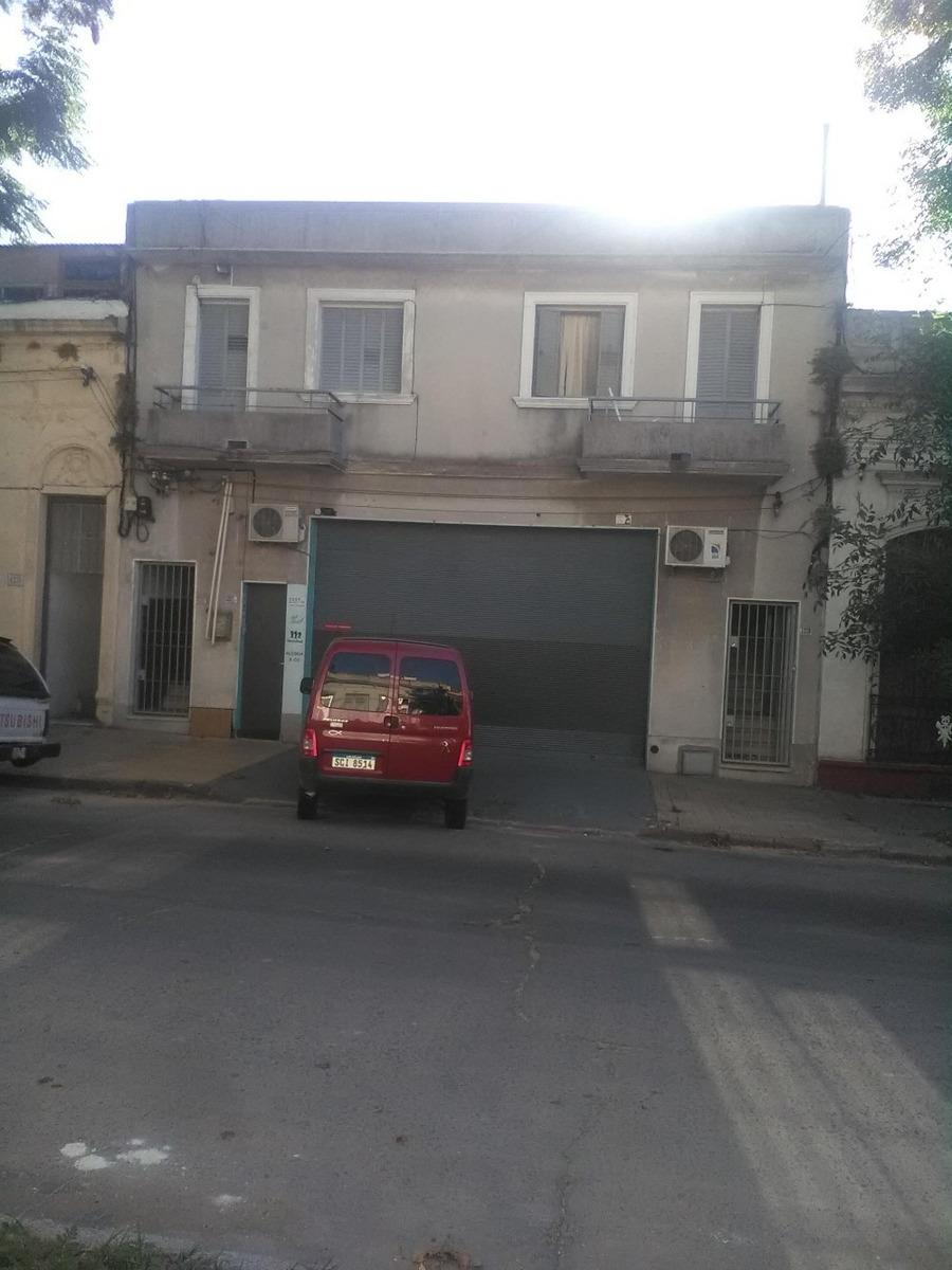 dueño vende local comercial de 450m2 y 2 casas. la comercial