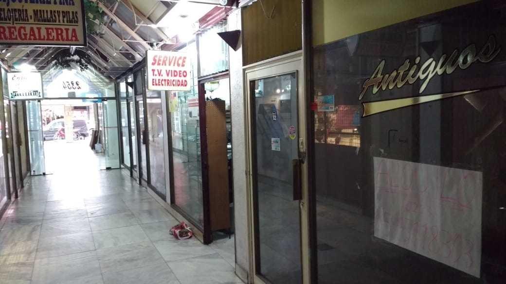 dueño vende local en galería céntrica de mar del plata