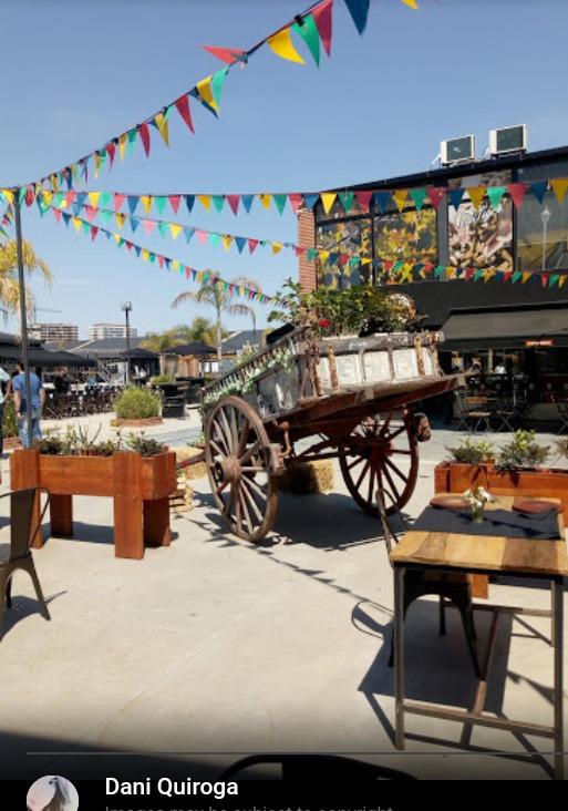 dueño vende local en shopping docks del puerto