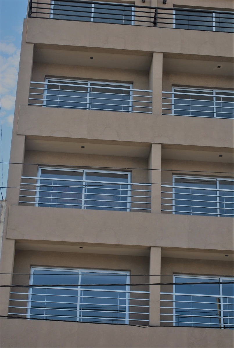 dueño vende oficina consultorio san justo 47m2 frente balcon