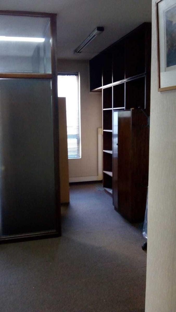 dueño vende -- vendo oficina en perfecta ubicación --