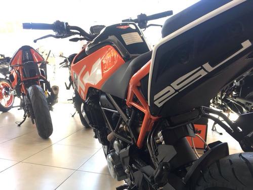 duke 250  gs motorcycle